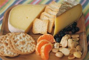 A Great Cheese Plate is a Fun Picnic Food!