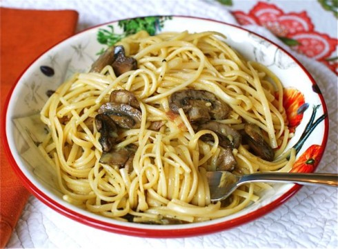 Quick Mushroom & Bacon Carbonara via The Naptime Chef