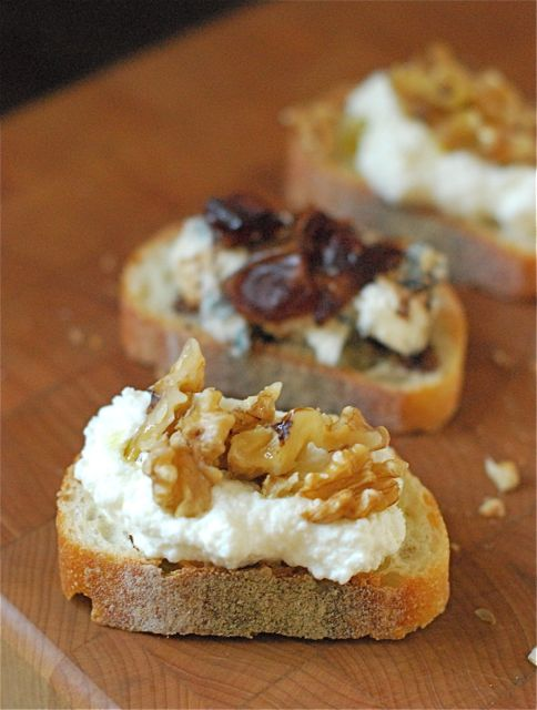 Three perfect party crostini