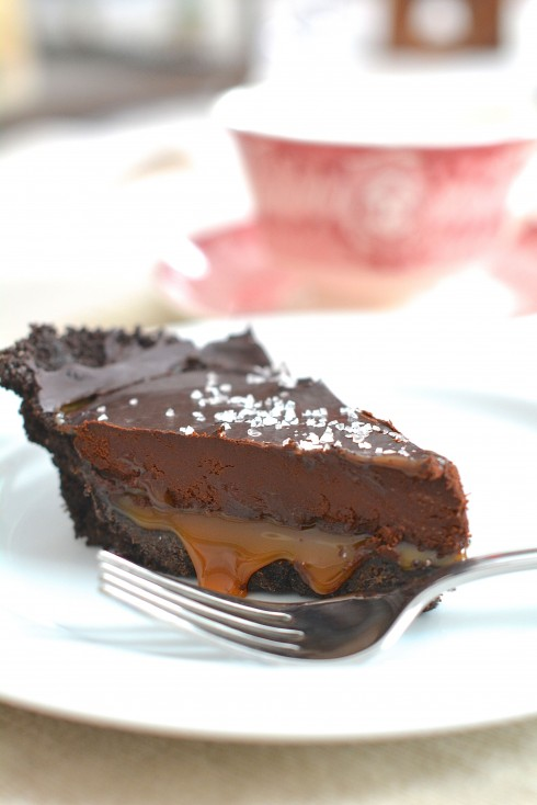 No-Bake Salted Caramel Chocolate Pie | The Naptime Chef