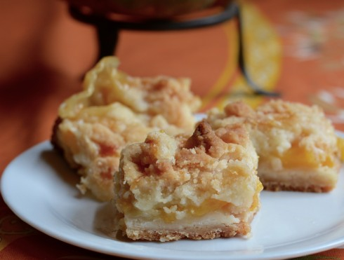 Peach Crumble Bars | The Naptime Chef